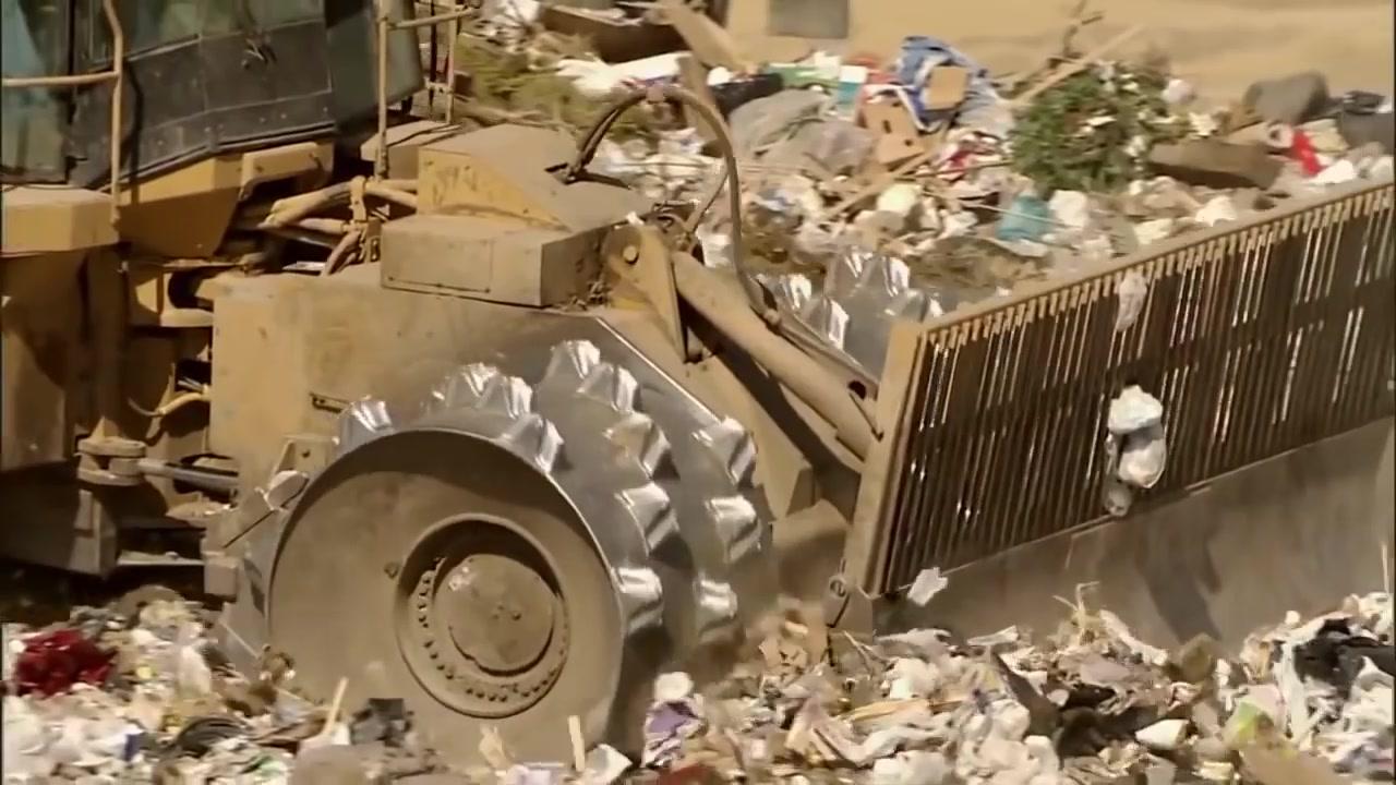 من العيار الثقيل آلة سحق النفايات كتربلير او 836G