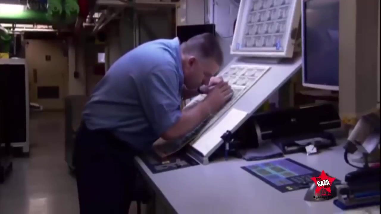 كيف صنع الورقة النقدية الدولار