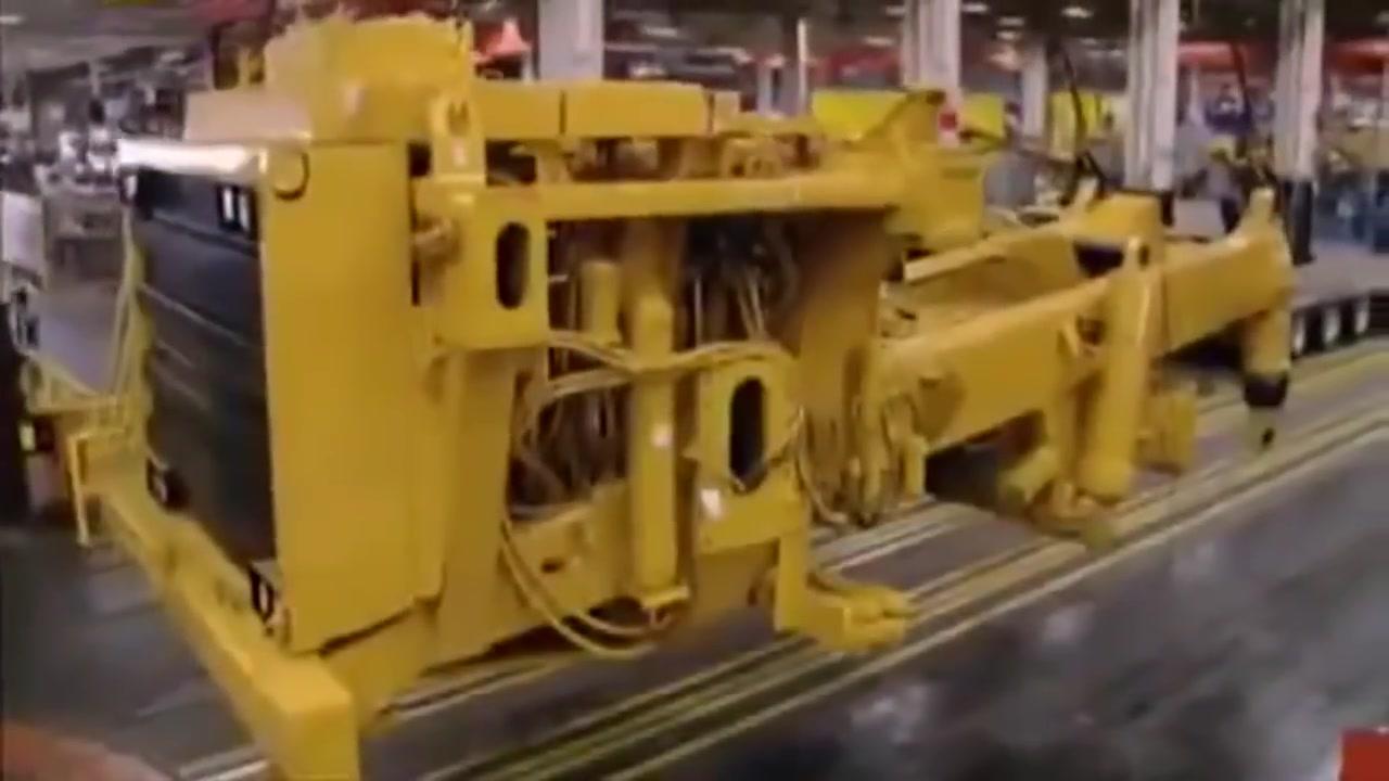 مصانع عملاقة Caterpillar 797
