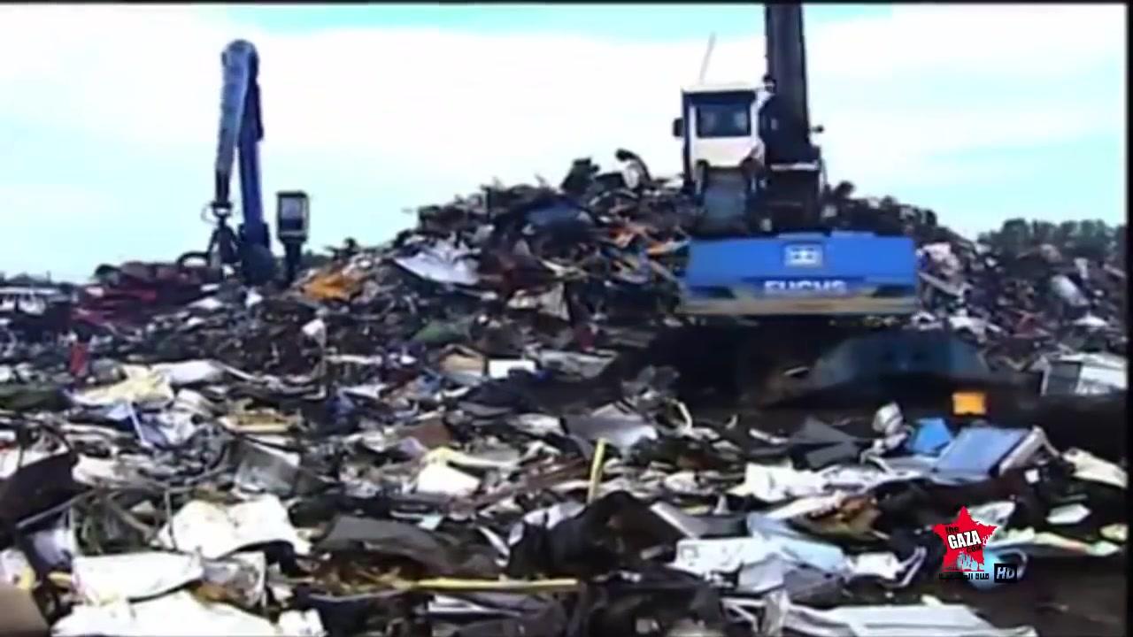 هياكل عملاقة الخردة  car recycling
