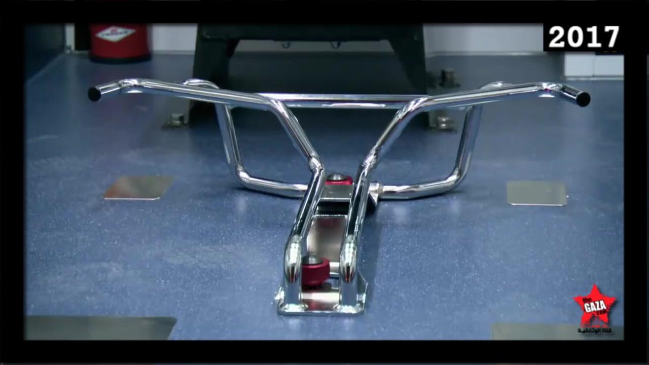 مصانع عملاقة  سيارة الاسعاف الجديدة