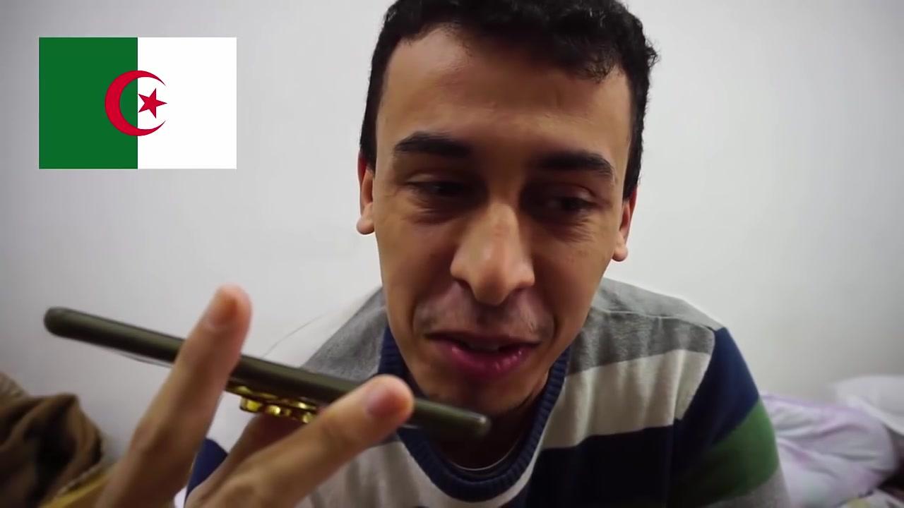 شاب مغربي يختبر رجولة شباب جزائريين في قرضه المال _وكانت المفاجأة