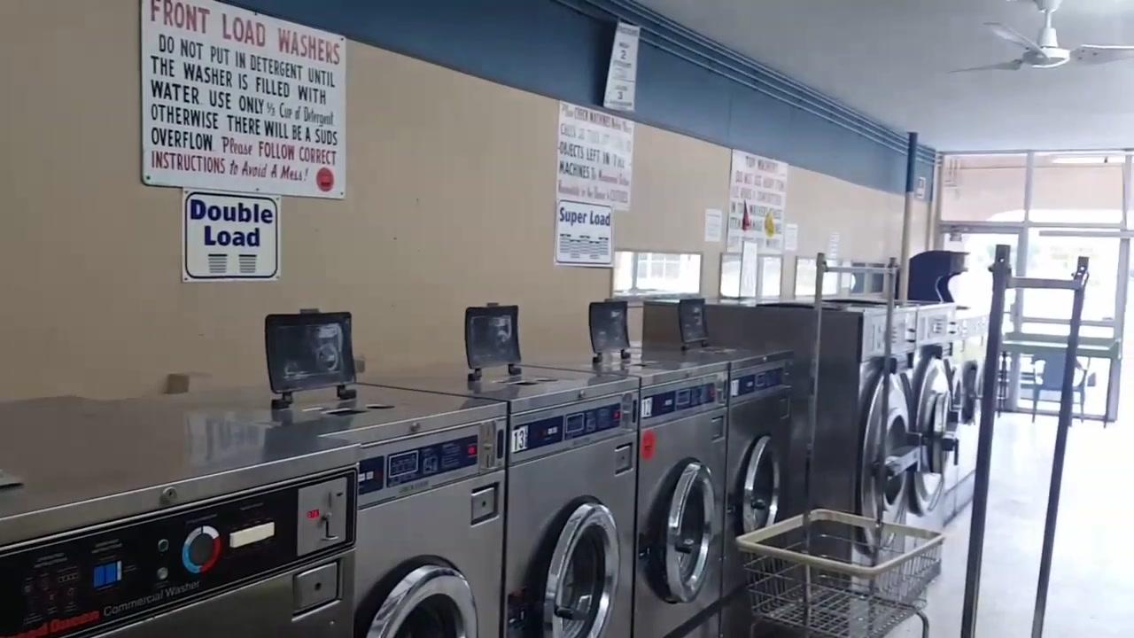 شرح طريقة إستعمال الغسلات الكهربائية الكبيرة في أمريكا laundromat