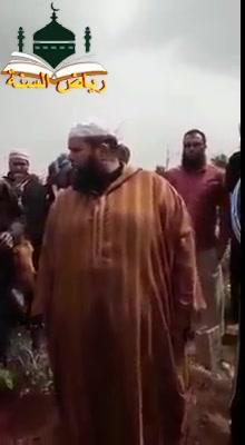 موعظة ذرفت لها الدموع وخشعت لها القلوب لشيخنا المفضال أبو صهيب عبد الصمد