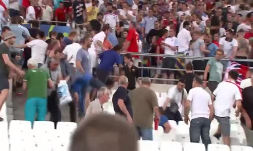 England vs Russia Hooligans Fighting