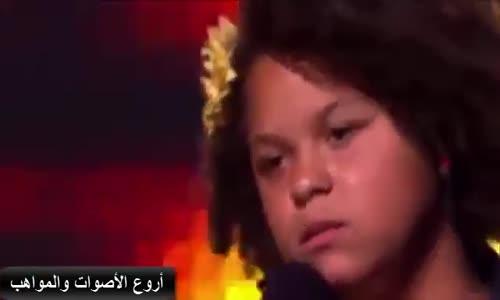 موهبة الباز الذهبي لطفلة أذهلت جميع الحكام والجمهور في برنامج المواهب البريطاني 2016