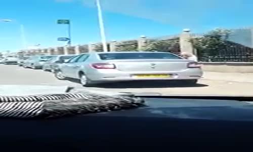 سرقة سيارة في و ضوح النهار ...حدث اليوم فالعاصمة ...