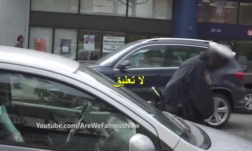 فتاة مسلمة تمشى مع شاب يهودى فى شوارع امريكا _ ما فعله الناس معهم لم يكن مجرد كلام شاهد بنفسك