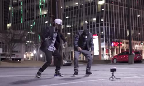 Robot dance on street show