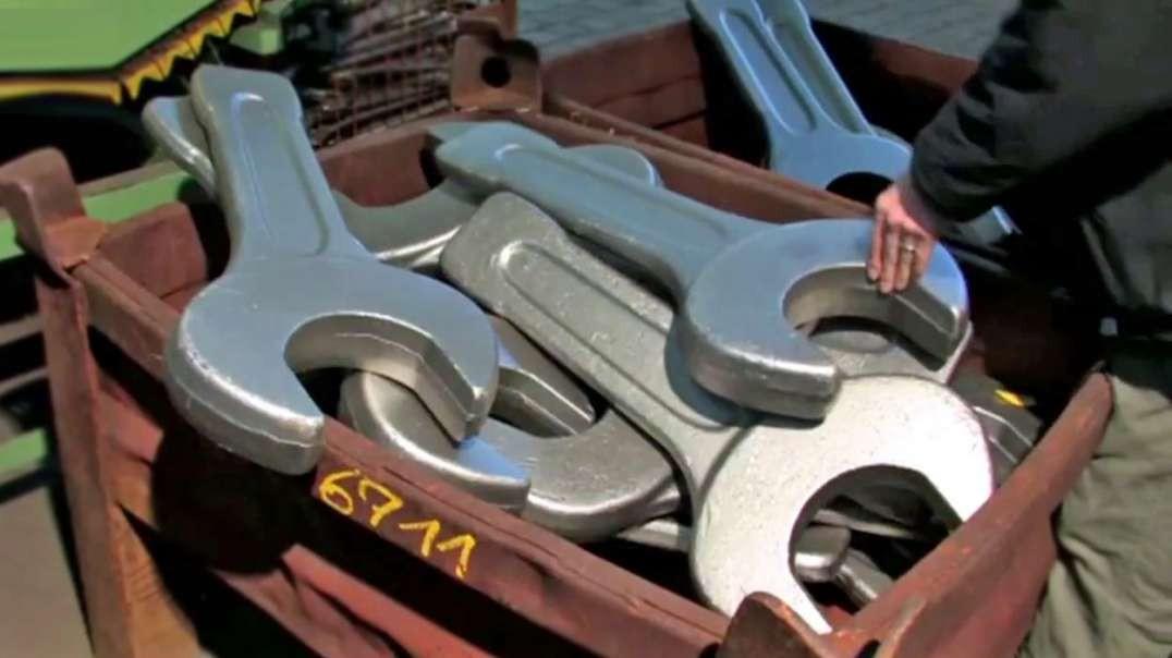 مصانع عملاقة: مفك البراغي الكبير Wrench